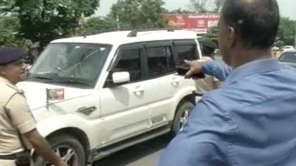 बिहार: पुलिसवालों ने नहीं काटा अश्विनी चौबे के बेटे की कार का चालान, 2 निलंबित