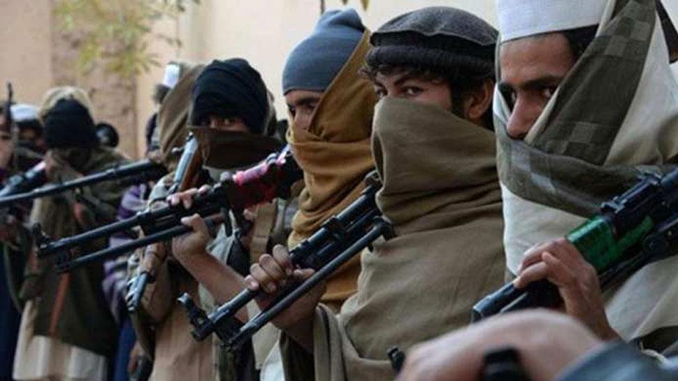 जम्मू-कश्मीर में सेना के कैंपों को निशाना बना सकते है लश्कर के आतंकीः इंटेलिजेंस रिपोर्ट