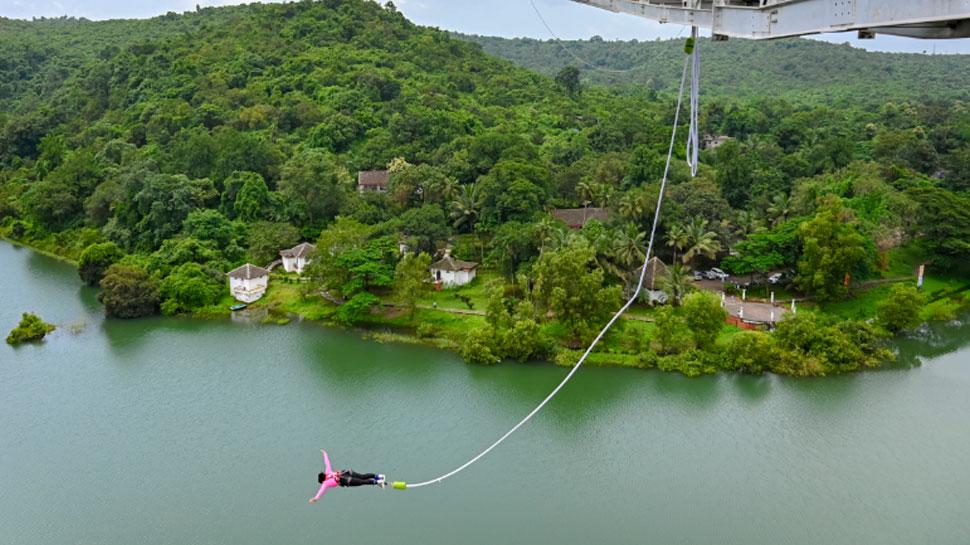 एडवेंचर गेम के दीवाने हैं! अब गोवा में भी ले सकेंगे Bungee jumping का मजा