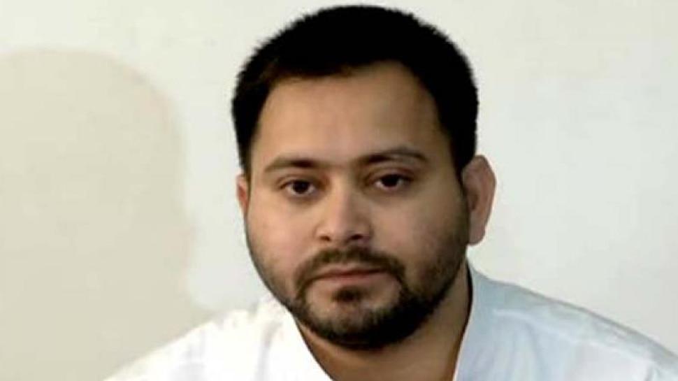 तेजस्वी यादव ने सुशील मोदी को बताया नीतीश कुमार का आदमी, JDU बोली- घोटाला बॉय