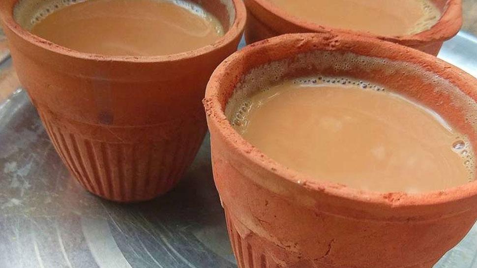 400 रेलवे स्टेशनों पर कुल्हड़ में मिलेगी चाय, मिट्टी के बर्तनों में खाने का सामान