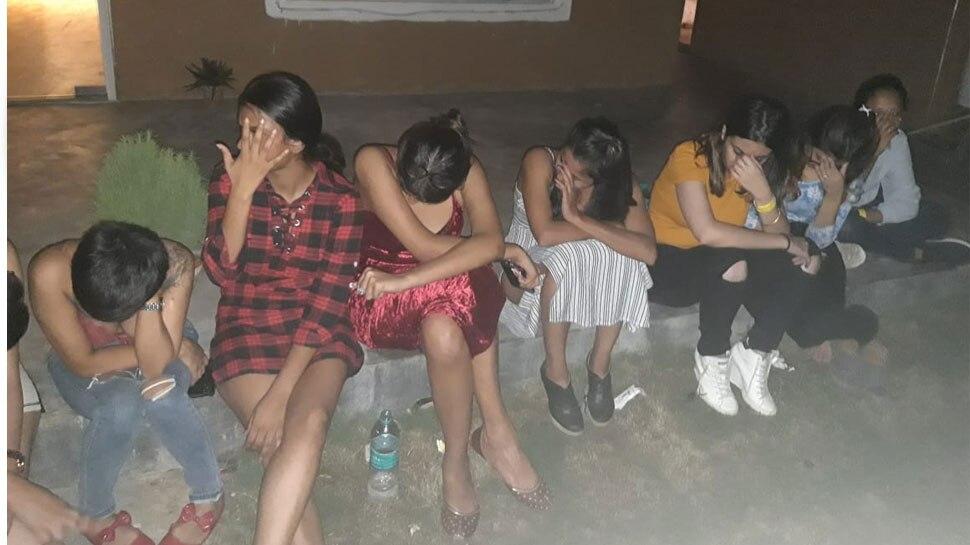 ग्रुरुग्राम में रेव पार्टी कर रहे थे 34 युवक और 9 युवतियां, पुलिस ने डाली रेड