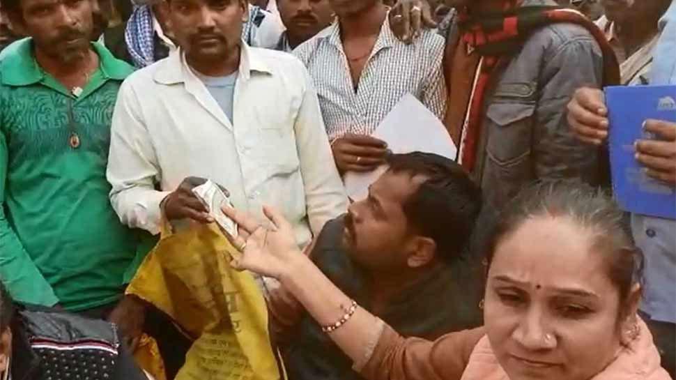 BSP विधायक रामबाई ने सरकारी डॉक्टर की प्राइवेट क्लीनिक पर जमकर किया हंगामा, दवाएं भी कराई जब्त