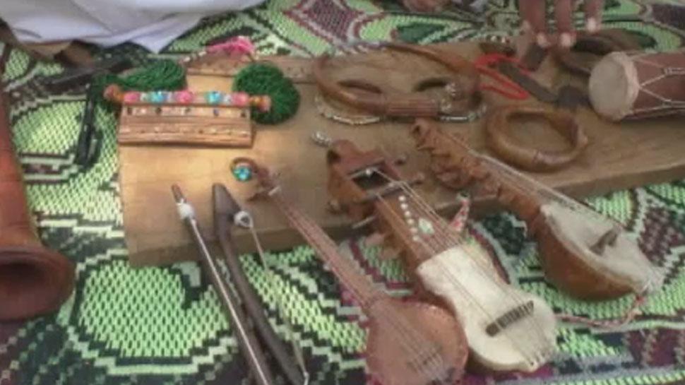 बाड़मेर में लकड़ी के आभूषण बने विदेशी सैलानियों के लिए आकर्षण का केन्द्र