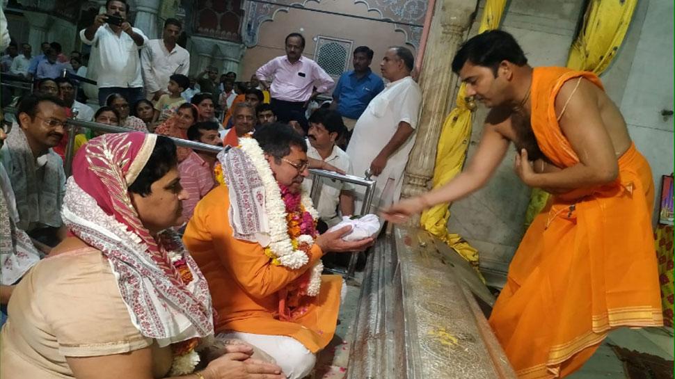 जयपुर: बीजेपी प्रदेश अध्यक्ष बनने के बाद गोविंद देव मंदिर पहुंचे सतीश पूनिया, लगाई हाजिरी