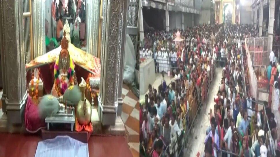 रामदेवरा बाबा का 65 साल का भक्त, 9 साल से घुटनों के बल आकर कर रहा दर्शन
