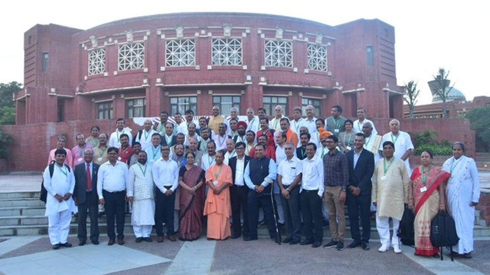 IIM लखनऊ में सीएम योगी और मंत्रियों की 'पाठशाला', पॉलिसी मेकिंग की ट्रेनिंग