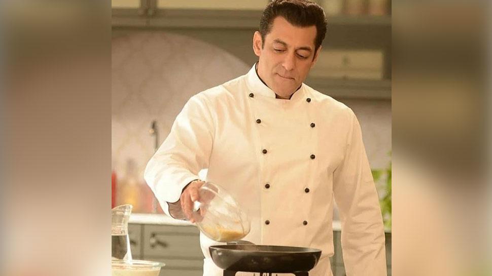 PHOTO: सलमान खान को पकाना पड़ रहा है खाना! जानिए क्या है इस शेफ लुक का राज
