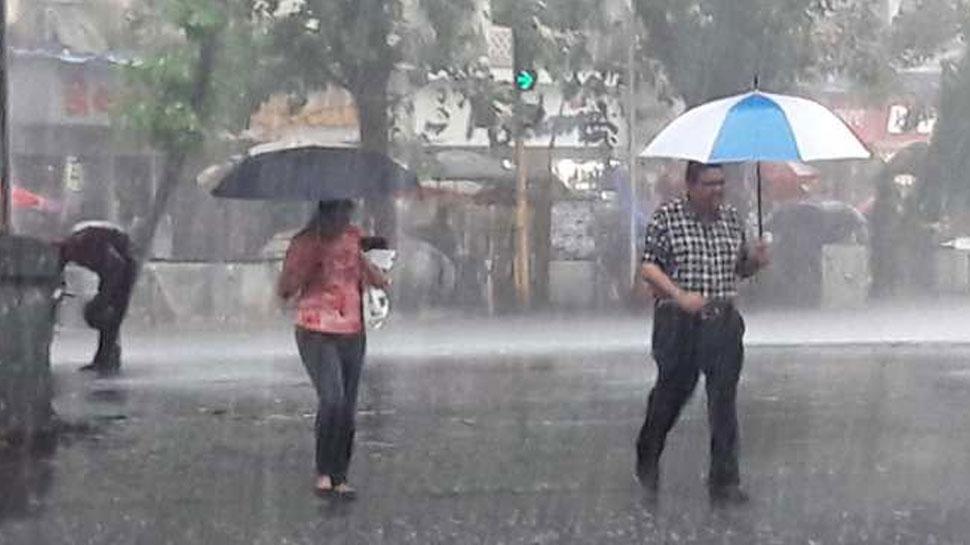 MP में नहीं थम रहा बारिश का कहर, बाढ़ के अलर्ट के बाद 45 हजार लोग बचाव शिविरों में पहुंचे