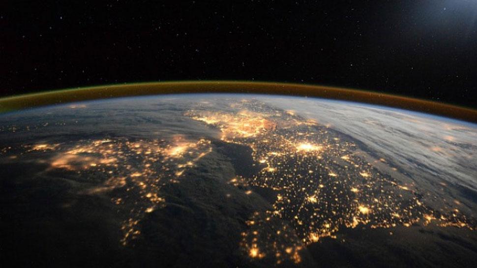 World Ozone Day: धरती पर जीवन के लिए जरूरी है ओजोन परत, हो गया छेद तो...