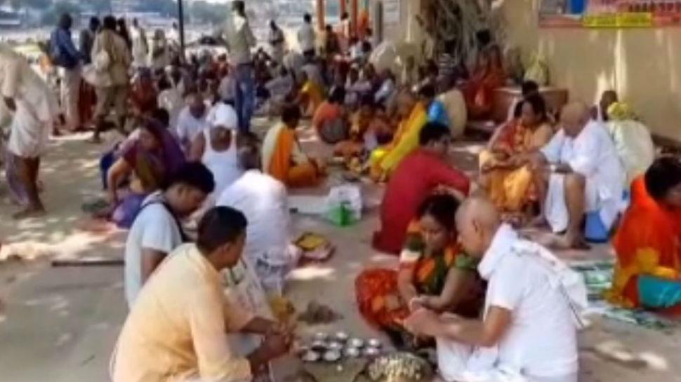 जम्मू कश्मीर से 140 लोगों का समूह पहुंचा गया, पूर्वजों के लिए करेंगे पिंडदान