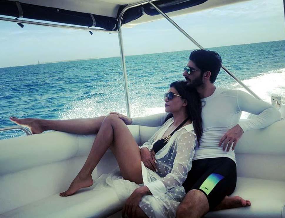 Sushmita Sen Enjoying Romantic Vacation in Maldives with Boyfriend Rohman Shawl