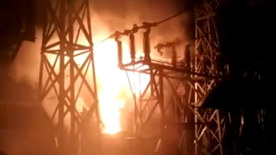 गया: आकाशीय बिजली गिरने से धू-धू कर जला सब स्टेशन, 3 घंटे बाद पाया गया आग पर काबू