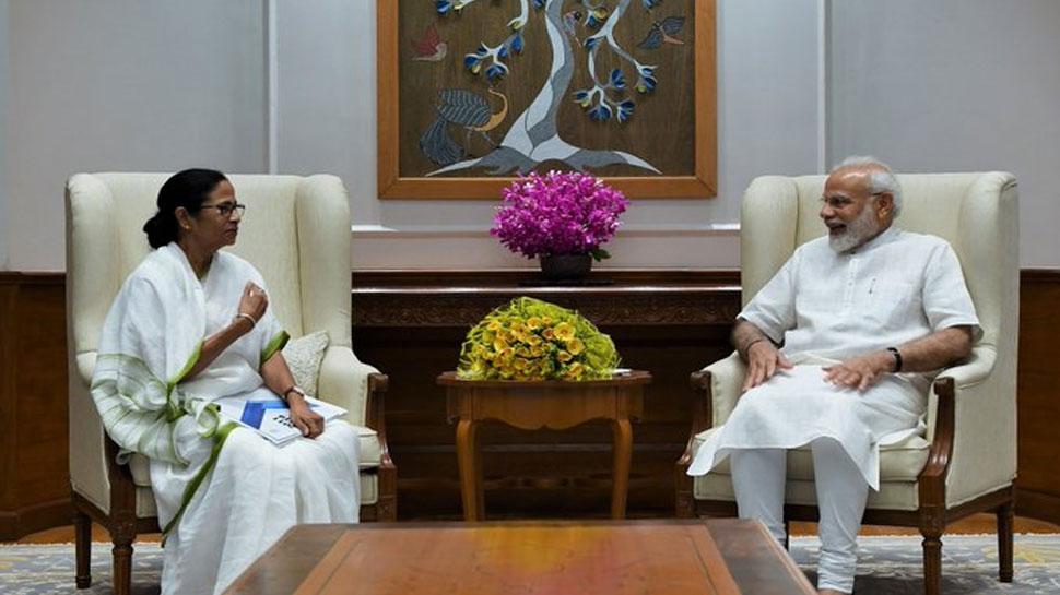 पीएम मोदी से मुलाकात कर ममता बजर्नी ने दिया पश्चिम बंगाल आने का न्यौता