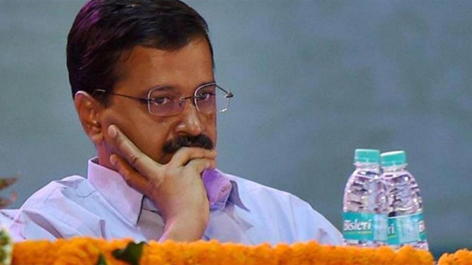 दिल्ली: NDTF का CM के घर के बाहर प्रदर्शन, विजेंद्र गुप्ता ने आप सरकार पर लगाए आरोप