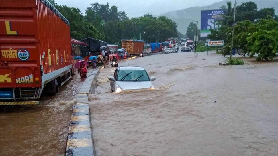 MP: नहीं थम रही बादलों से बरसती मुसीबत, 13 जिलों में भारी बारिश की चेतावनी