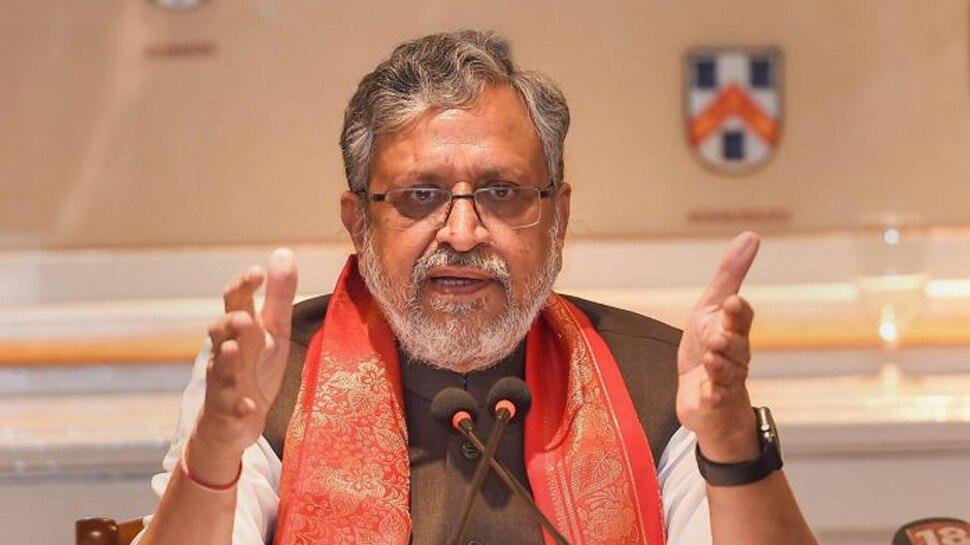 आर्टिकल 370: सुशील मोदी ने तेजस्वी यादव पर साधा निशाना, जनादेश के अपमान का लगाया आरोप