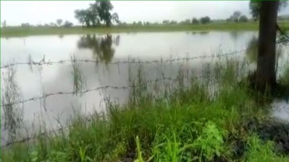 राजस्थान: मंदी की मार के बीच बारिश में बर्बाद हुई किसानों की फसलें