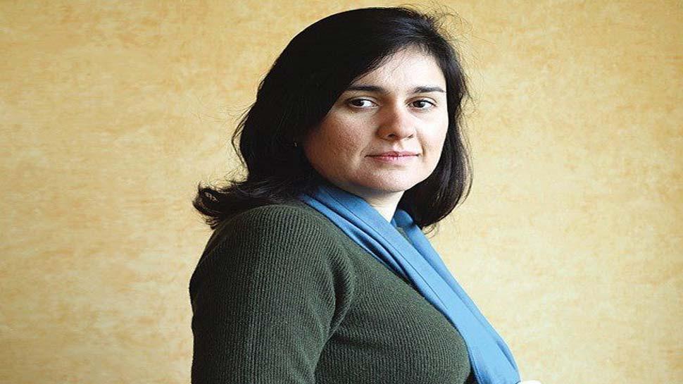 पाकिस्तानी मूल की लेखिका को विरोध करना पड़ा महंगा, मिलने वाला था बड़ा पुरस्कार, अब नहीं मिलेगा