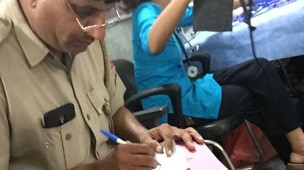 दिल्ली: पिस्टल की नोंक पर महिला के गले से चेन खींचकर भागे बदमाश