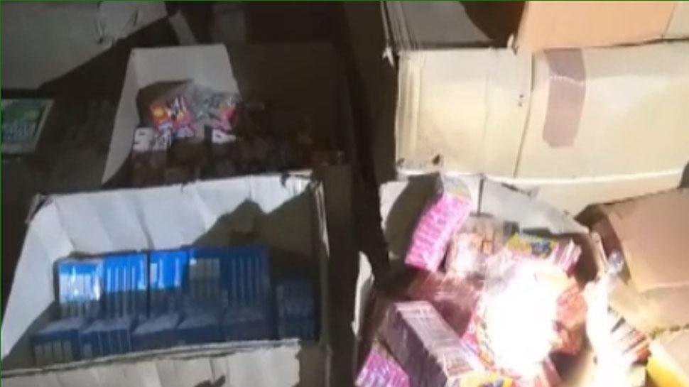 झालावाड़: पुलिस की बड़ी कार्रवाई, गोदामों से अवैध पटाखों का जकीरा किया बरामद