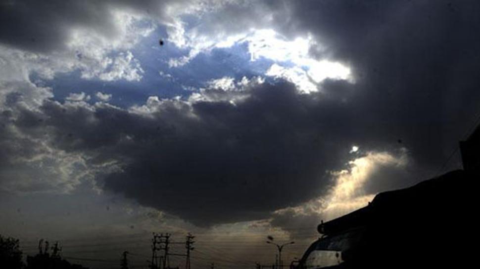UP में बारिश से तापमान में आई गिरावट, उमस से लोगों को मिली कुछ राहत