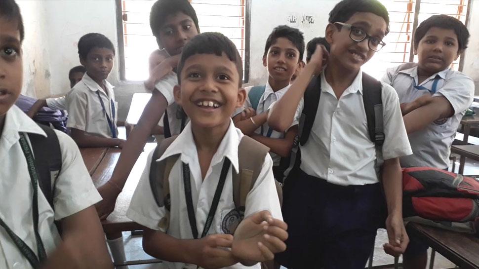 स्कूल में बच्चों को अचानक होने लगी खुजली, 400 छात्रों को करनी पड़ी छुट्टी