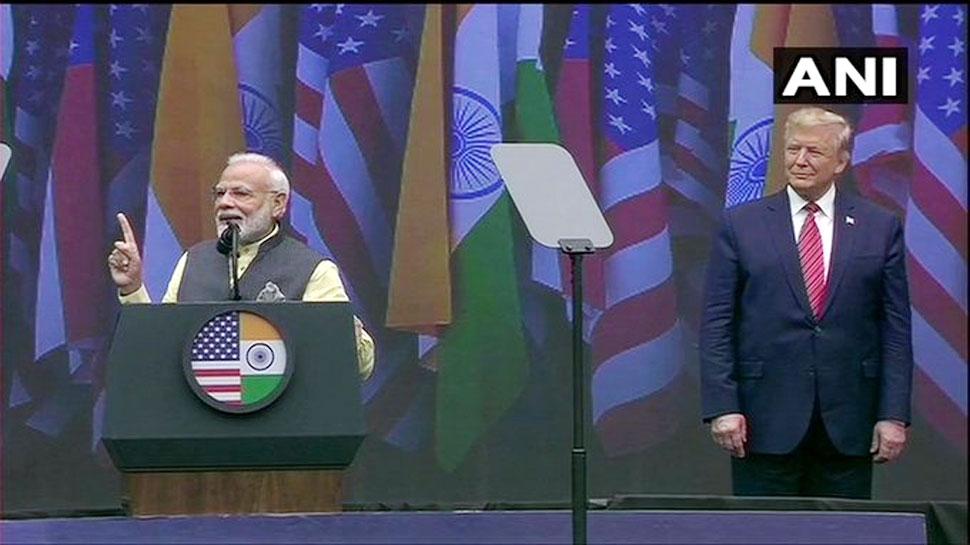 Howdy Modi : ह्यूस्टन से PM मोदी ने दिया नारा 'अबकी बार ट्रंप सरकार'