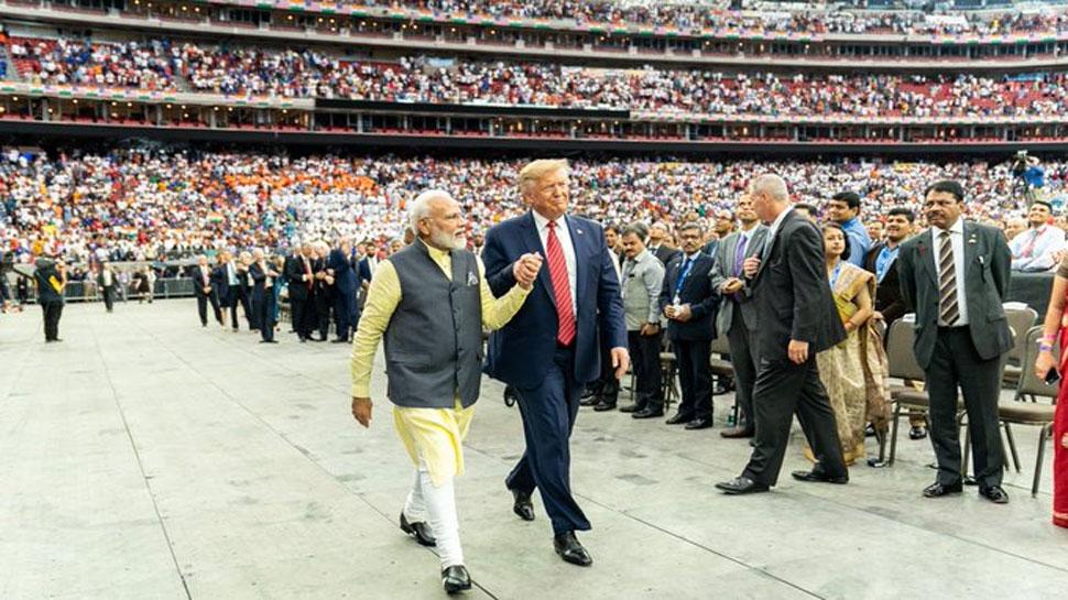 Howdy Modi: जब डोनाल्ड ट्रंप ने सुनाए वे '3 शब्द' जिनसे शुरू होते हैं भारत और अमेरिका के संविधान