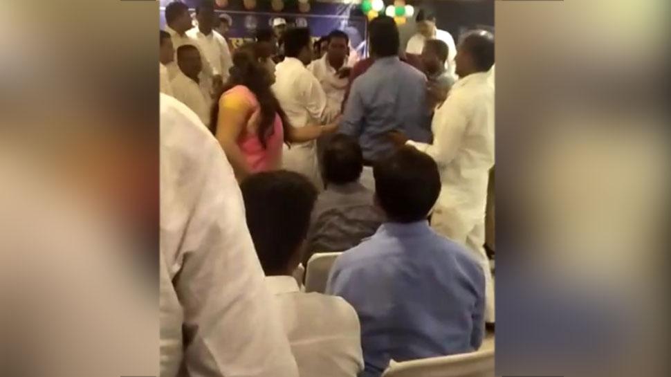 राजस्थान: 6 विधायकों के कांग्रेस में शामिल होते ही बसपा में पड़ी फूट, बैठक में हुई मारपीट