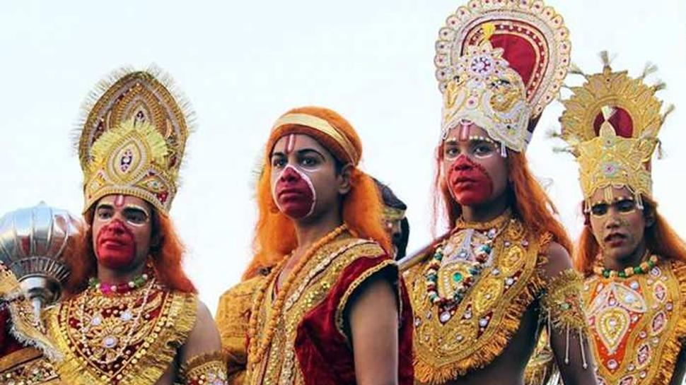 पटना में रामलीला पर लगी रोक, गिरिराज सिंह बोले- 'धर्म पर बंदिश लगाना सही नहीं'