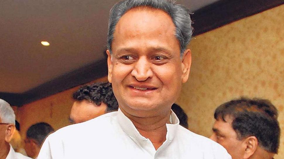 राजस्थान: तकनीकी खराबी के बाद जयपुर एयरपोर्ट उतरा था सीएम गहलोत का विमान, रवाना