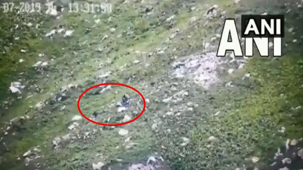 VIDEO: LoC पर घुसपैठ कर रहे थे 5-6 पाकिस्तानी आतंकी, भारतीय सेना ने बरसाईं गोलियां, फिर