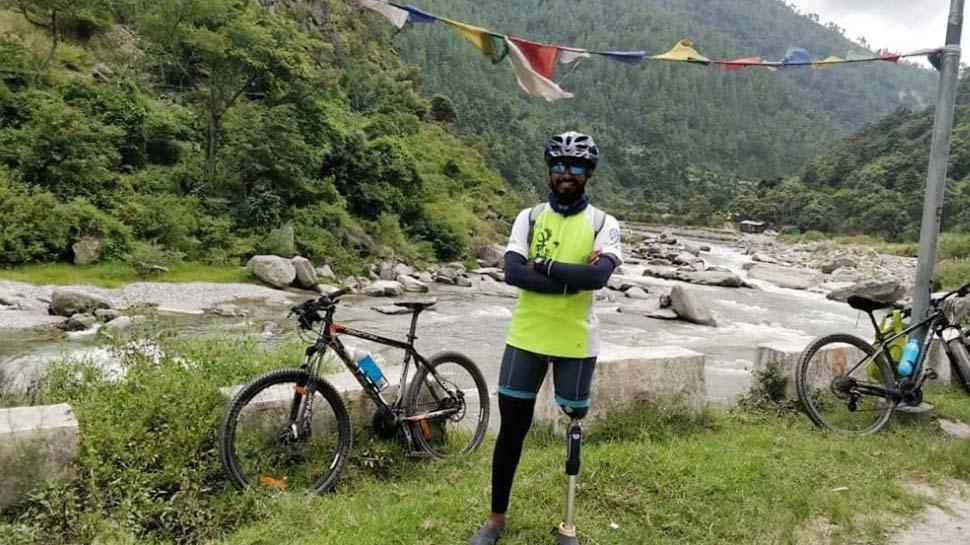 पुणे की भारी बारिश में बह गई थी कार, दिव्यांग साइकिलिस्ट अभी भी लापता