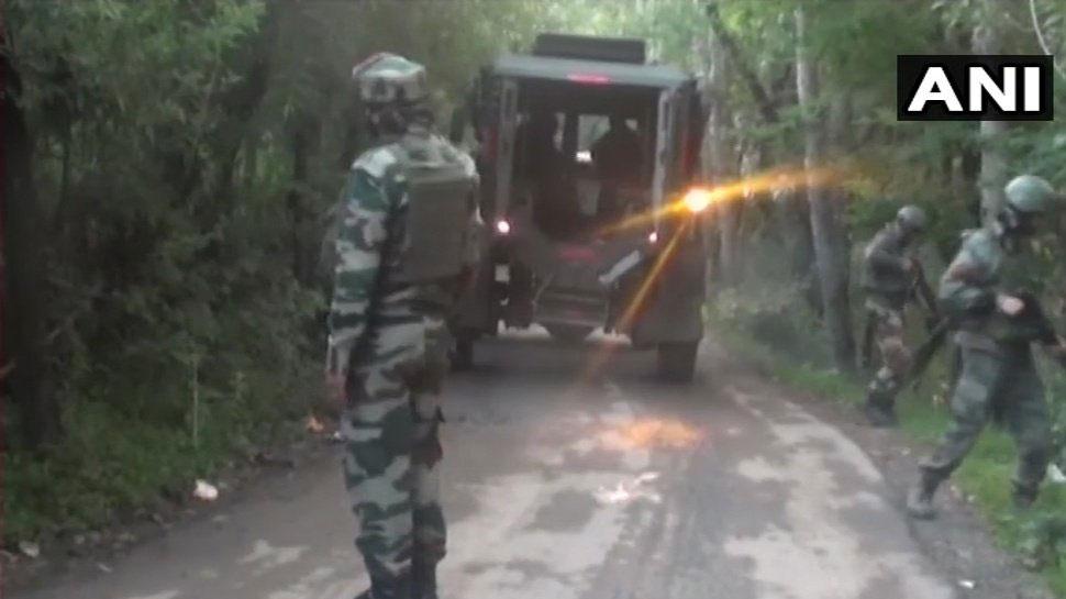 कश्मीर : डोडा में सैन्य काफिले पर आतंकियों का ग्रेनेड से हमला, 3 आतंकवादियों की तलाश जारी