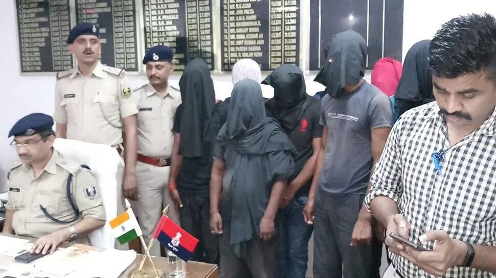 बिहार : वाहन चोर गिरोह चलाता था नकली नोट छापने का कारोबार, 8 गिरफ्तार