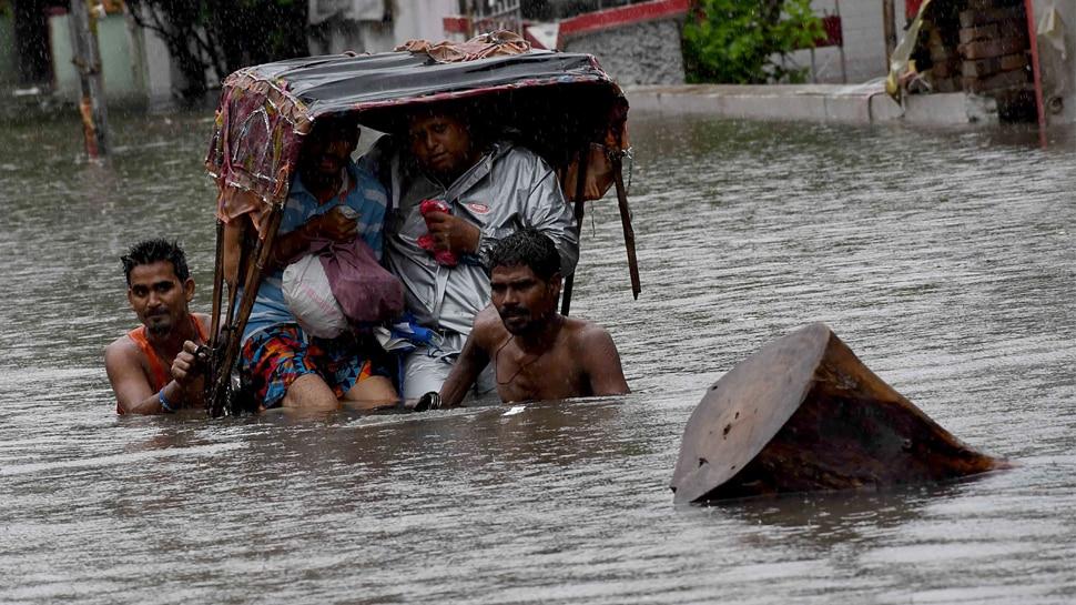 बिहार में बारिश से इमरजेंसी जैसे हालात, 45 साल बाद पटना के लोगों ने देखा ऐसा जलजमाव