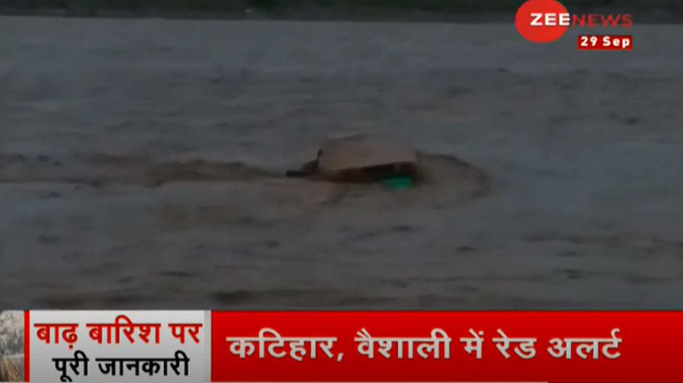 बिहार में बाढ़ का कहर, अब तक 14 की मौत, राजधानी पटना में हर तरफ पानी ही पानी