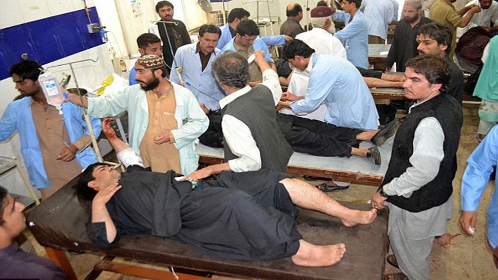 अब पाकिस्तान पर पड़ी यह बड़ी मार, रोजाना हजारों लोग अस्पतालों में हो रहे हैं भर्ती, जानें...