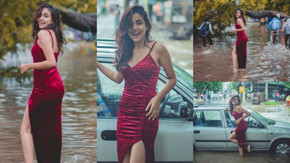पटना में बाढ़ के बीच इस लड़की ने कराया ग्लैमरस फोटोशूट, देखें VIDEO