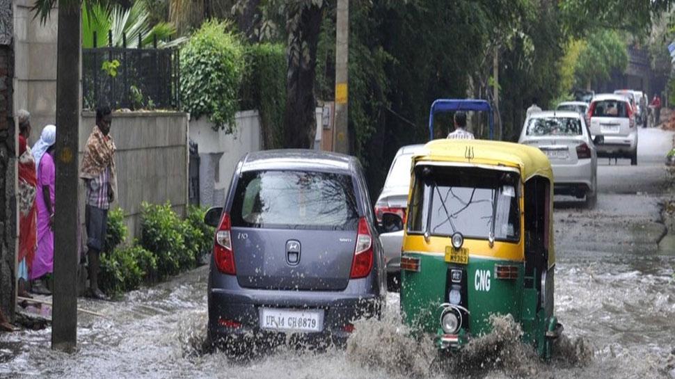पटना: दानापुर के स्थानीय लोग जलजमाव से बेहाल, आक्रोशित लोगों किया सड़क जाम