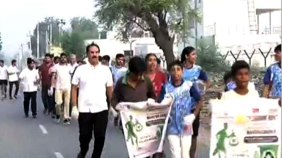 गांधी जयंती: डॉक्टर सुभाष चंद्रा फाउंडेशन की ओर से हिसार में प्लॉगिंग रन का आयोजन