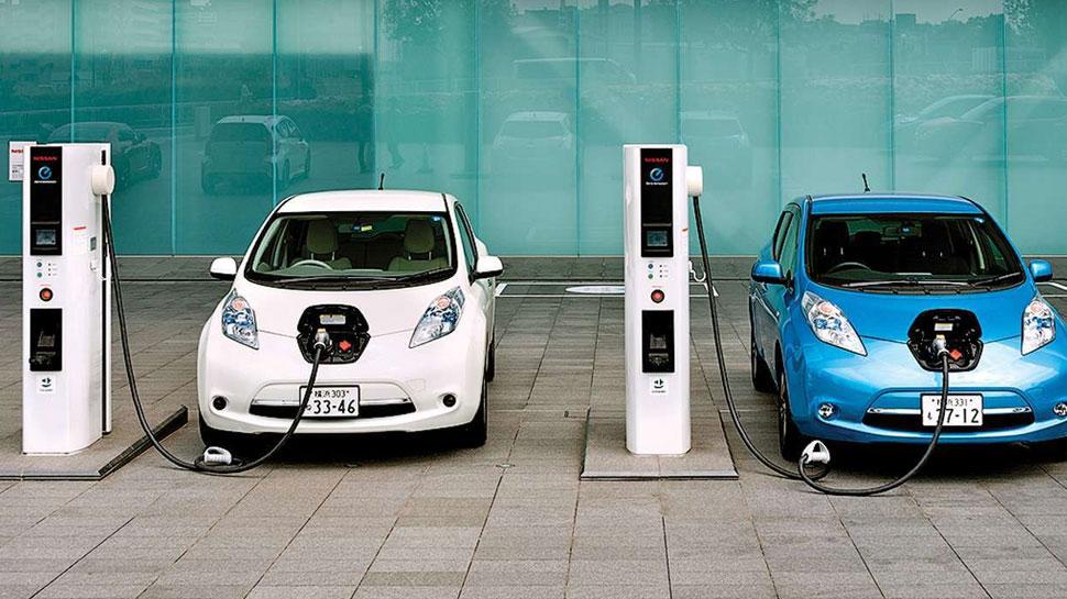 Good News: बिना लाइसेंस खोल सकेंगे इलेक्ट्रिक गाड़ियों के लिए चार्जिंग स्टेशन, सरकार करेगी मदद