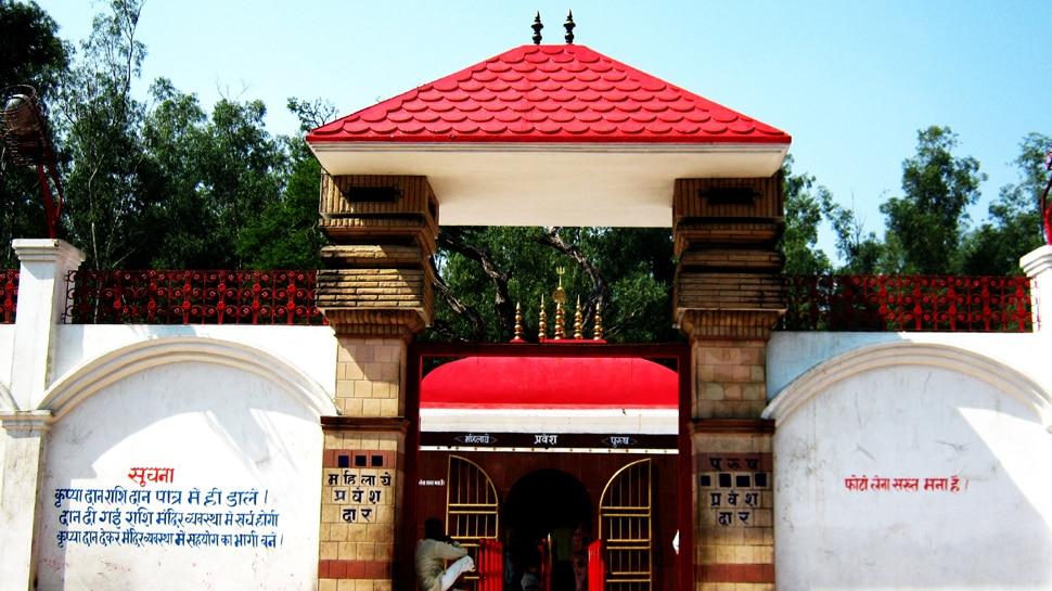 बिहार: नवरात्र में थावे मंदिर में लगती है भक्तों की भारी भीड़, कमेटी ने की है विशेष व्यवस्था