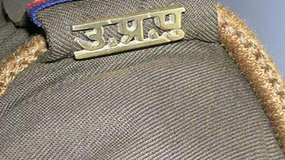 उत्तर प्रदेशः झांसी में बदमाशों ने थाना प्रभारी को मारी गोली, गंभीर हालत में अस्पताल में भर्ती