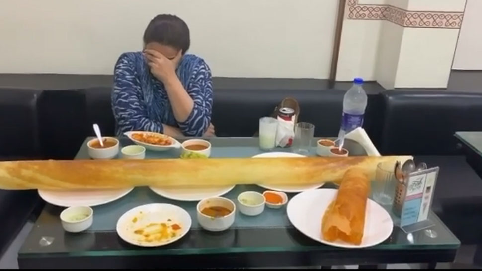 मां अमृता सिंह के साथ डोसा खाने पहुंची सारा अली खान! शेयर किया मजेदार VIDEO