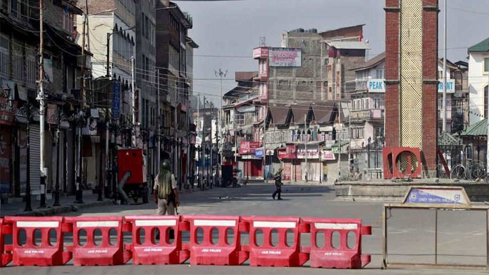 कश्मीर: आज रिहा किए जाएंगे हिरासत में लिए गए 3 नेता, बॉन्ड साइन करवाया गया