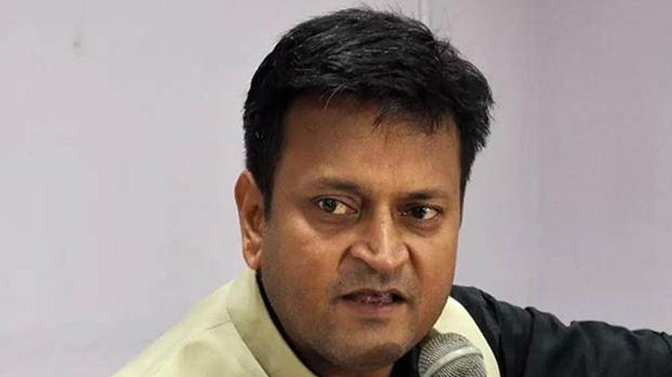 JDU नेता अजय आलोक ने अपनी ही पार्टी के खिलाफ खोला मोर्चा, बोले- कब तक रोकेंगे?
