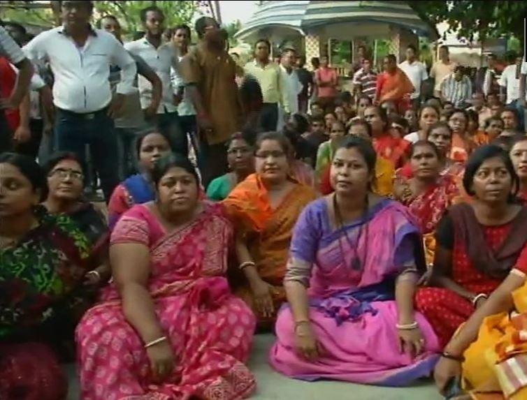 बंगाल में 'रक्त चरित्र' के खिलाफ सड़कों पर उतरे लोग, अबतक दो गिरफ्तार