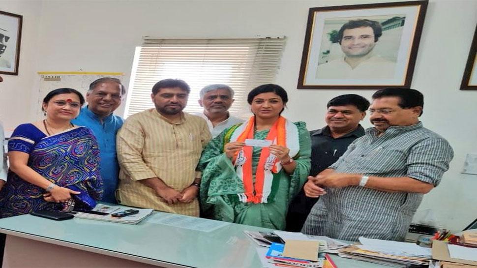 दिल्ली: कांग्रेस में शामिल हुईं अलका लांबा, एक महीने पहले छोड़ी थी AAP